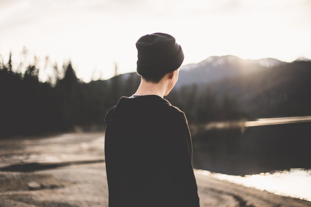 Most of us struggle to deal with our emotions, relationships and identity as teens. Here are 5 things that will help our wonderful Highly Sensitive teens flourish.